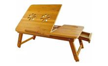 Dřevěný stolek na notebook do postele