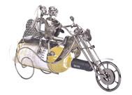 Motorkář - stojan na víno