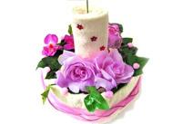 Textilní dort s růžemi a svící